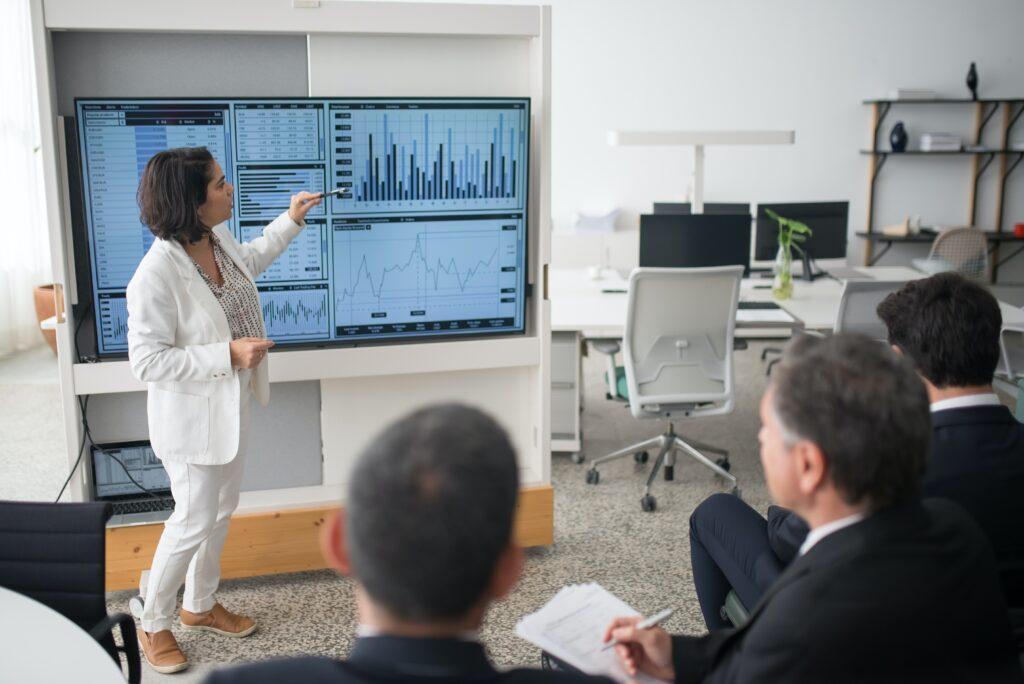 Buscan las Oficinas Familiares la profesionalización para llevar a cabo estrategias de inversión más agresivas, expone Rodrigo Besoy.
